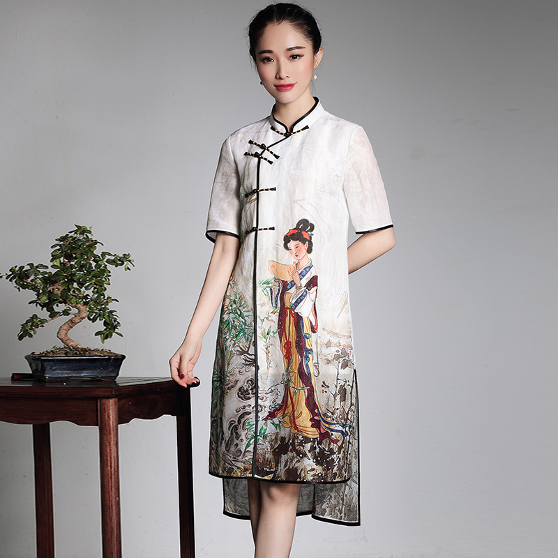 Pretty Oriental Woman Print Cheongsam Qipao Dress