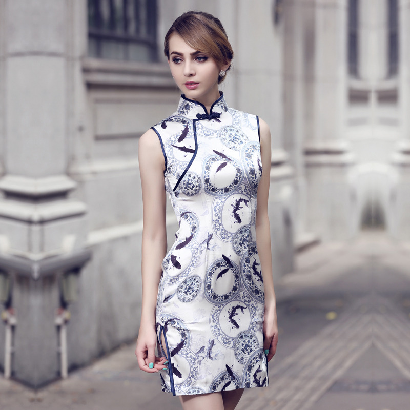 Charming Sleeveless Silk Cheongsam Qipao Dress
