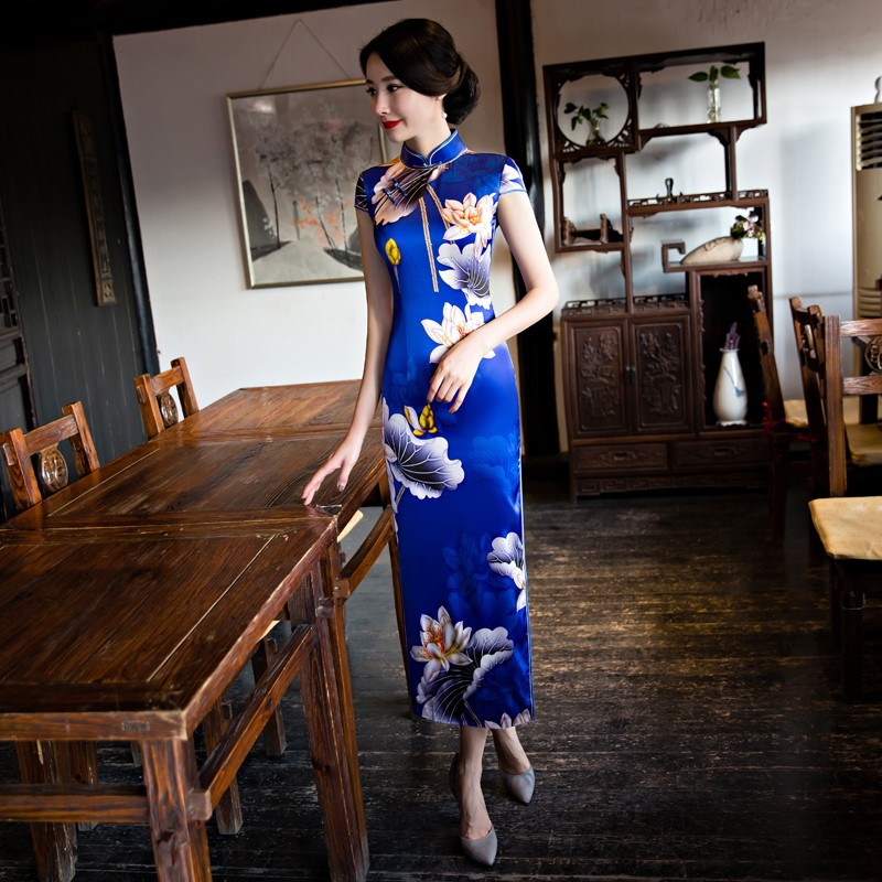 Breathtaking Lotus Silk Chinese Dress Qipao Cheongsam